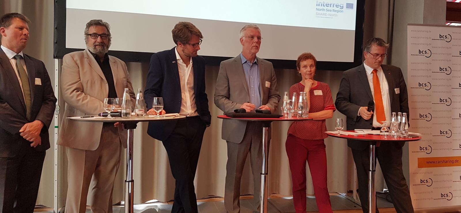 v.l.n.r: Dr. Joachim Lohse, Prof. Dr. Klaus Beckmann, Wasilis von Rauch, MdB Arno Klare, MdB Sabine Leidig, MdB Michael Donth (Foto: Michael Glotz-Richter)